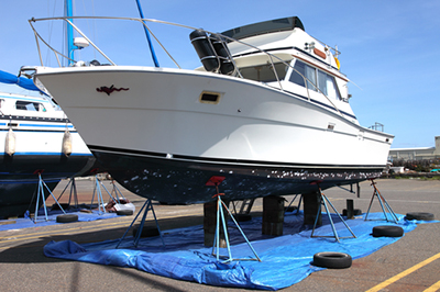 gel-coat-prep-by-five-star-yacht-mgmt